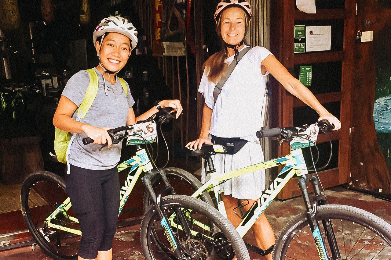 Cykel genom Kuching, Paradesa Borneo