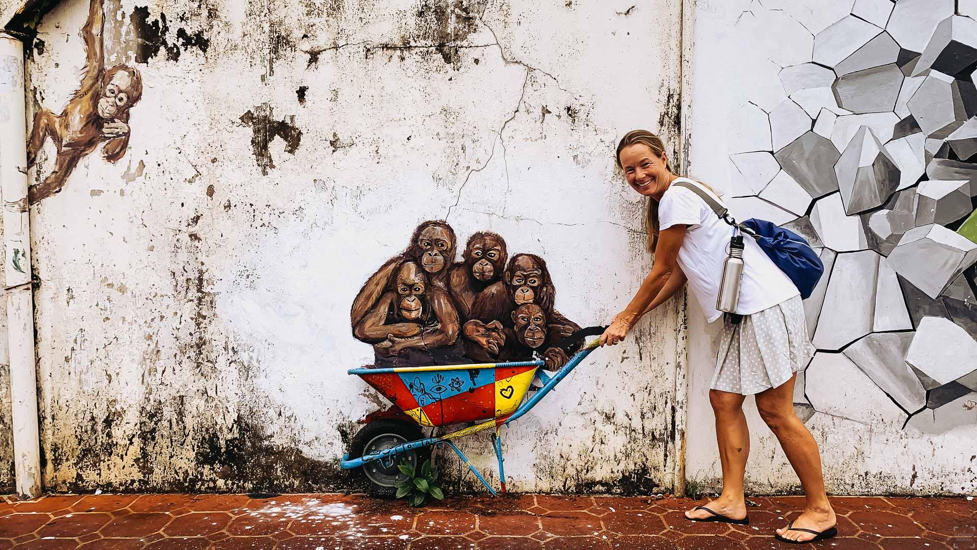 Cykel genom Kuching, street art
