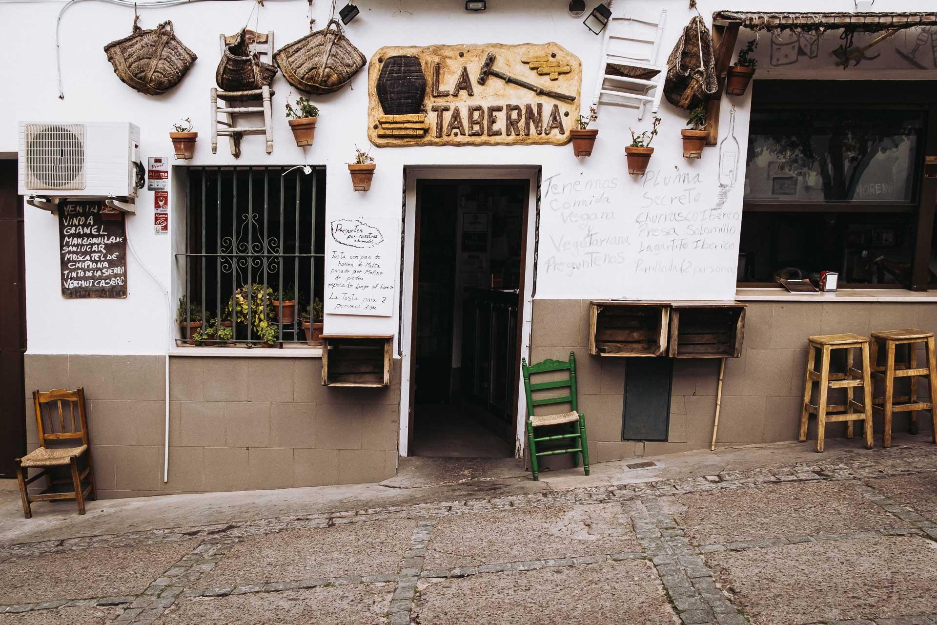 De vita byarna, Andalusien