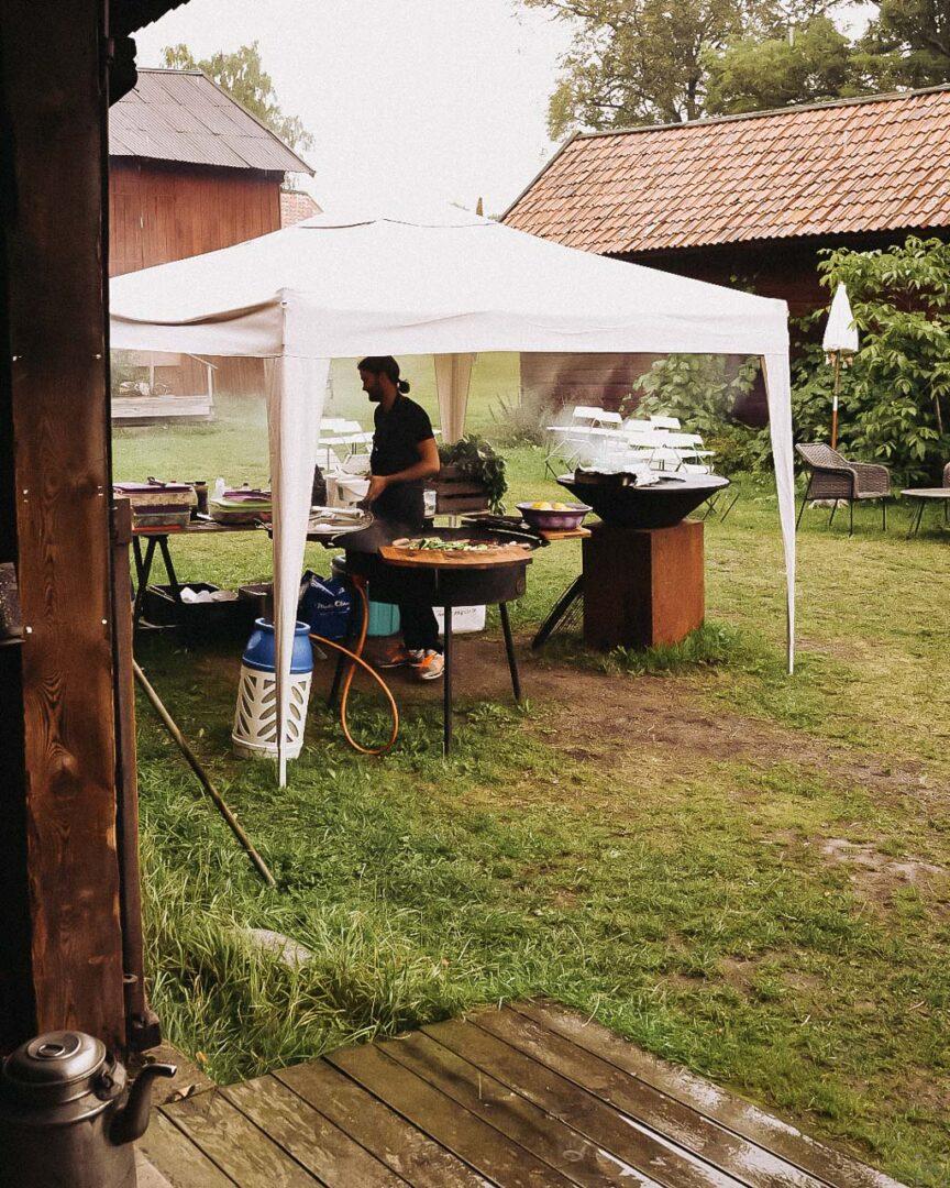 Korv på Rörby gård, Lovö Magasin